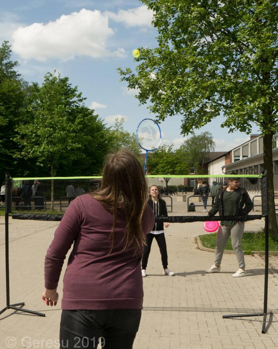 sport und spiel in der mittagsfreizeit st dtische gesamtschule recklinghausen suderwich. Black Bedroom Furniture Sets. Home Design Ideas